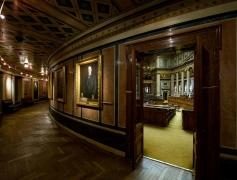 Vienna-Parlament-Historischer-Sitzungssaal_9667-Kopie.jpg